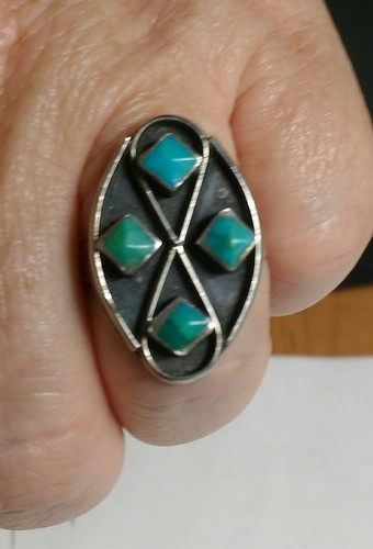 Janice turquoise ring front